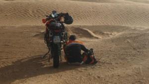 moto guasto deserto